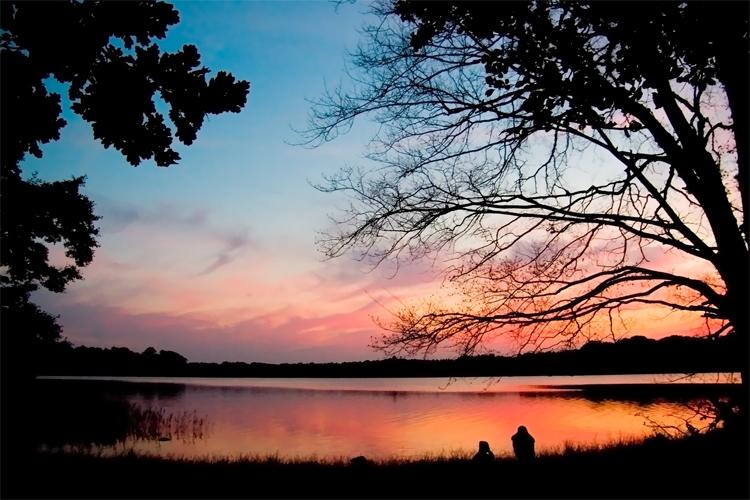 Solnedgång vid sjön Yddingen.